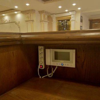 مانیتور kcv-802ev میز لابی